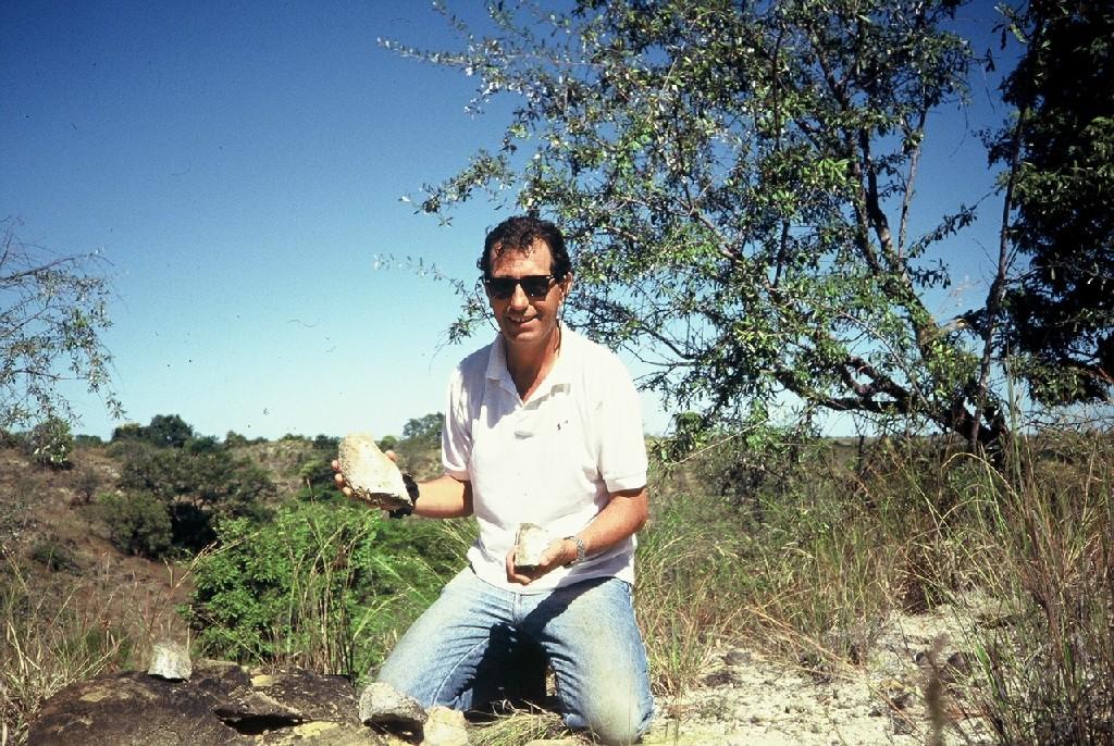 L'attribut alt de cette image est vide, son nom de fichier est os-Bothriospondylus-Madagascar-Largeur-max.-1024-Hauteur-max.-768.jpg.
